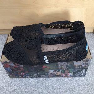 TOMS Morocco Black Crochet Classic Slip On Size 5